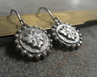 Ready to Ship Fashion Gift Grape Leaf Jewelry Silver Wine Lover Earrings with Niobium Ear Wires