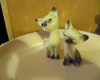 Siamese cats vintage-antique   salt and peppers toooooooooo cute