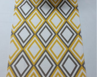 Wholesale lot of 12 yellow and white annie diamond Wedding party tablerunner, wedding decorations, table runner