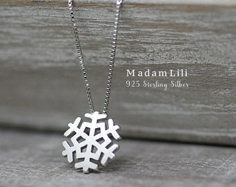 "925er Silver ""Snowflake"" Necklace"