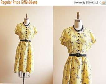 ON SALE 40s Dress - Vintage 1940s Dress - Novelty Print Tumbling Clowns Elephants Day Dress S - Circus in Town