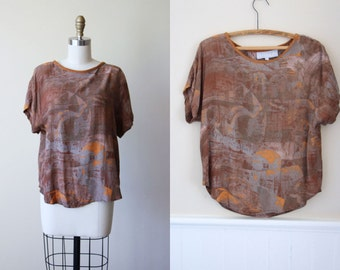 Vintage 90s Top - 1990s Minimalist Cocoa Mustard Blush Novelty Print Rayon Blouse - Ancient Worlds Shirt