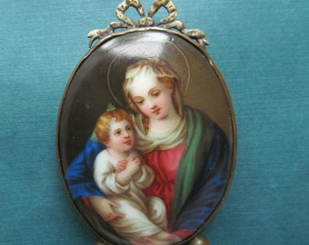 Antique Hand Painted Porcelain Miniature Virgin Mary And Baby Jesus Table Shrine  Circa 1800 s