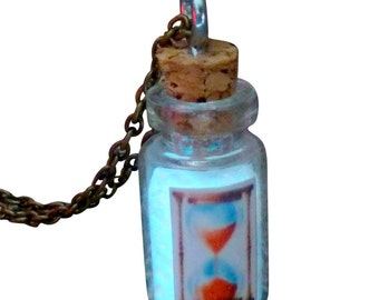 HouRGLass NecklACe Glow in the dark  bottle