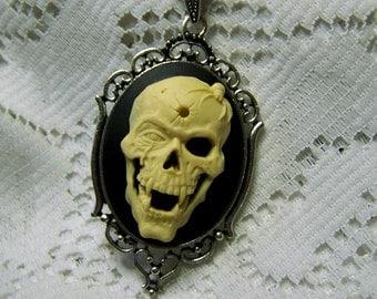 Dead Men Tell No Tales Skull Pendant, Bullet Hole, Spider, Skull, Fangs, Vampire Skull, Goth, Halloween Necklace, Zombi, Day of the Dead