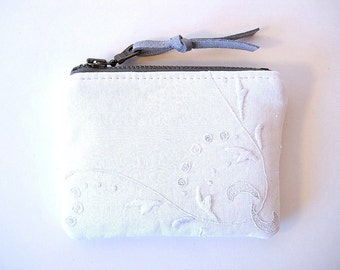 White Vintage Linen and Lace Zipper Small Coin Purse Bridal Party Gifts