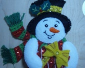 Bucilla Felt SNOWMAN CHRISTMAS ORNAMENT from the Forest Friends Collection