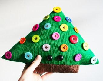 Knit your own Big Friendly Christmas Tree mini-cushion (pdf)