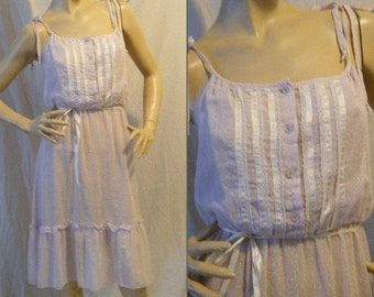 Vtg 1970s Lilac calico Sun dress with button up bodice and shoulder ties Medium