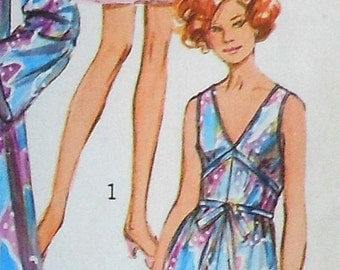 Vintage Nightgown Sewing Pattern UNCUT Simplicity 9073 Size 12
