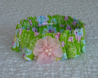 """Daytime Flowers Dog Scrunchie Collar with pink beaded flower - Size L: 16"""" to 18"""" neck"""