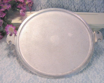 Vintage Guardian Service Aluminum Cookware Handled Round Serving Platter, 1950s Mid Century Cookware, Vintage Kitchen, Hammered Aluminum