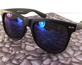 vintage 90s deadstock sunglasses wayfarer matte black plastic frame sun glasses eyewear fashion unisex simple classic dark blue revo lens 50
