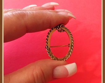 Vintage Curtis Jewelry Manufacturing Brooch, 14 k Gold Filled, Signed dce, Oval, Braided Knot, 1955 1960