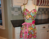 Sugar Cookie   - Alivia Style Sweeetheart Neckline  -  Women's Apron ~ 4RetroAprons