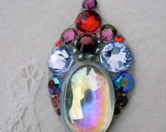 Burgundy Beauty Bindi - swarovski belly dance tribal fusion crystal bindi
