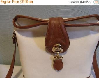 Valentines SALE Vtg Ivory, Rust Leather Bucket Bag, Handbag, Shoulder, Del Mano, 1980s