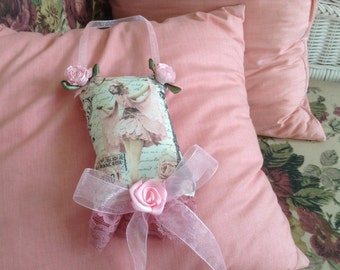 5 inch lavender scented sachet with image of Victorian dancer