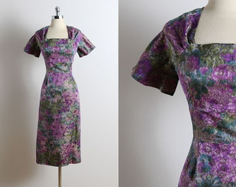 Vintage 50s Dress | vintage 1950s party dress | purple floral silk brocade m/l | 5710