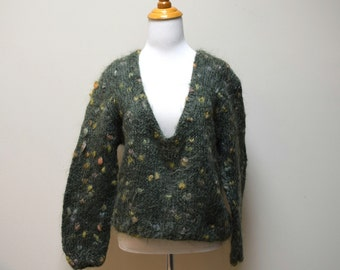 VINTAGE JOAN SPORTS Green Mohair Deep Vneck Cropped Boxy Pullover Sweater Size S/M