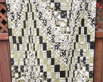 Black and Green Bargello Quilt
