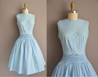 50 blue cotton full skirt vintage dress with detail stitching