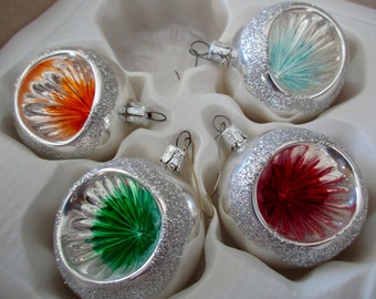 4 vintage GLASS TREE ORNAMENTS -Made in Romania -boxed