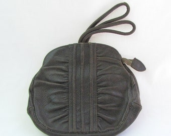 Vintage Early 1900s Brown Leather Wrist Handbag