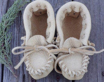 Leather moccasins , toddler moccasins, handmade moccasins , leather shoes , children's moccasins , toddler slippers