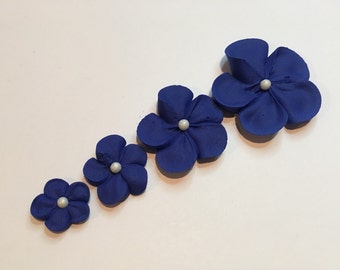 Lot of 100 Royal Icing Flowers w/ white sugar pearl for Cake Decorating