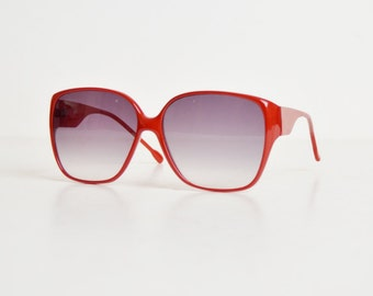 Vintage 70s 80s Oversized Red Sunglasses / Gradient Gray Lenses