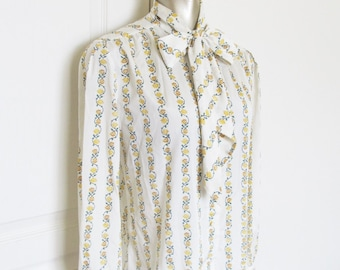Vintage 1970's Yellow Floral White Blouse / Neck Tie Collar Light Weight Pretty Shirt Pussy Tie Blouse Large