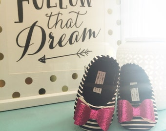 Baby Girl Shoes Toddler Girl Shoes Infant Shoes Soft Soled Shoes Modern Girl Shoes Hot Pink Birthday Girl Shoes Gold Glitter Bow - Zoelle