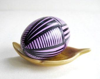 Easter Egg Black and Pink,  Ukrainian Easter egg, batik painted chicken egg shell