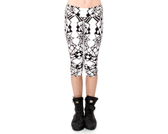 Black and White Crop Leggings - Organic Leggings - Yoga Pants - Geometric Print - Capri Leggings - Best Leggings - Printed Tights