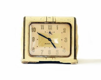 Vintage Yellow Clock | Art Deco | Mantle | Ingraham Rite Vu | Yellow | Metal | Shelf | Dresser