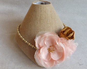 Pearl Necklace with Flowers in Blush & Gold