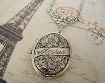 Silver Locket Necklace Mother Bride Bridesmaids Wedding Gift Sister Wife Daughter Graduation Birthday Photo Pictures Anniversary Mother- Mom