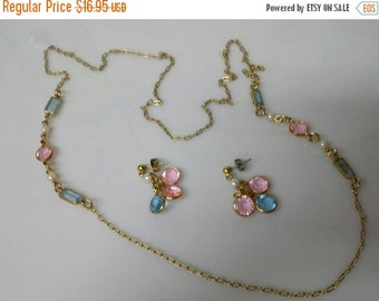 CIJ 60% SAVINGS Avon Pastel Hues Necklace  and  Pierced  earrings Mint Condition 1991