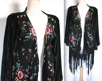 Vintage Chinese Robe // Black and Green Velvet Jacket with Floral Embroidery // Art Deco Fringe Jacket