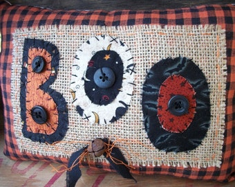 Primitive Halloween BOO decorative pillow shelf tuck
