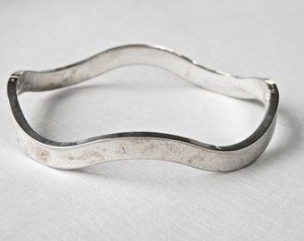 Vintage Modernist Silver Bangle 24 Grams Bangle Bracelet Sterling Bangle FREE SHIPPING