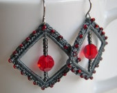 Grey and red crochet earrings - Gray and Red Bridesmaid earrings - lace earrings - Bridal earrings - Grey fashion earrings - Square earrings