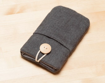 iPhone 6s sleeve / iPhone 7 sleeve / Samsung Galaxy S7 case / Huawei P9 sleeve / - Herringbone with pockets