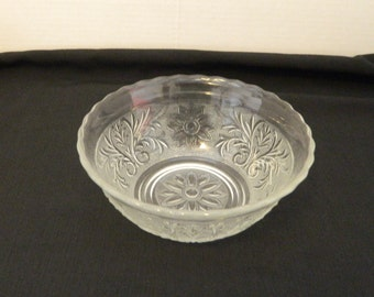 Anchor Hocking Sandwich Crystal Deep Scalloped Bowl 6 1/2 inch