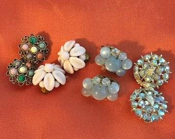 Vintage 50s 60s clip-on earrings Lot of 4