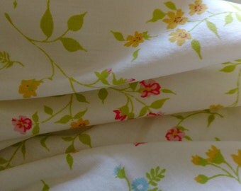 Vintage Twin Flat Top Sheet Pastel Floral Vintage Bedding Textiles 64 x 95 inches