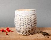 vase for flowers grey dots danish unique keramik ceramics handmade by eeliethel scandinavian studio pottery decor poterie polli pots