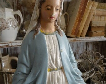 Vintage Shabby Cottage Chic Virgin Mary Madonna Statue