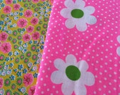 Vintage Fabric Mod Flower Power Lot of 20 pieces
